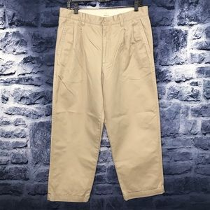 Gap Men's Relaxed Fit Khaki Pants